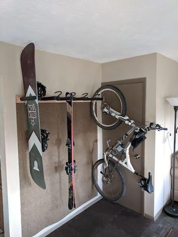 Ski/Board/Bike rack for gear storage