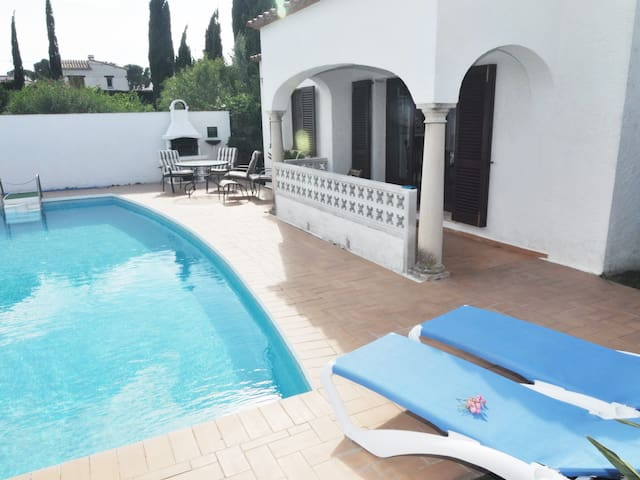 FLUVIA: HOUSE WITH PRIVATE POOL 8x4 - COSTA BRAVA