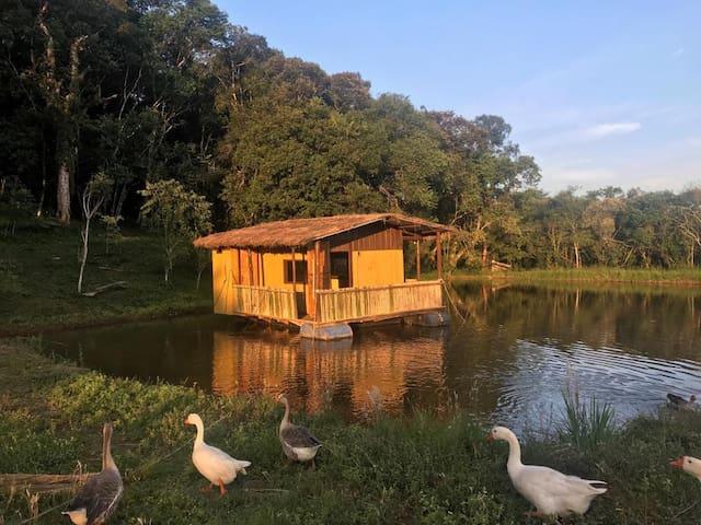 Fazenda Cercado Grande - chalé flutuante nº1