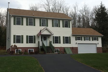Spacious vacation home nr Windham/Hunter Mountain - East Jewett - Casa