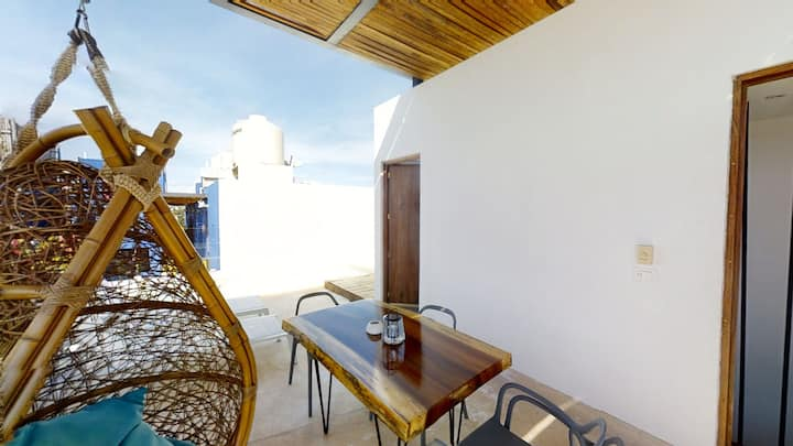 Colibri PH Skyroof Private Pool Top Amenities, Gym, WIFI, Parking , BBQ Best Location in by SkyRun T
