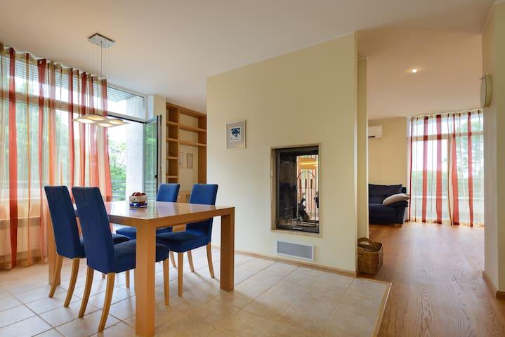 Luxury 3-room penthouse in Old Town - Pärnu - Departamento