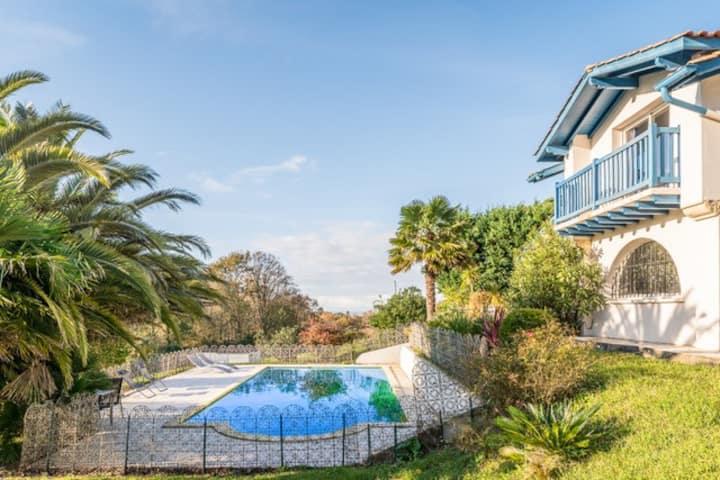 Belle maison moderne  sur les hauteurs de Bidart