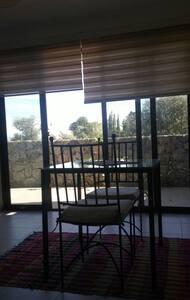 Cozy sunny studio with terrace - Girne
