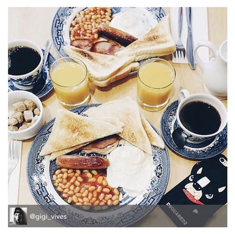 Modern DBL pr room, 7mins to Buckingham Palace! - Londres - Bed & Breakfast