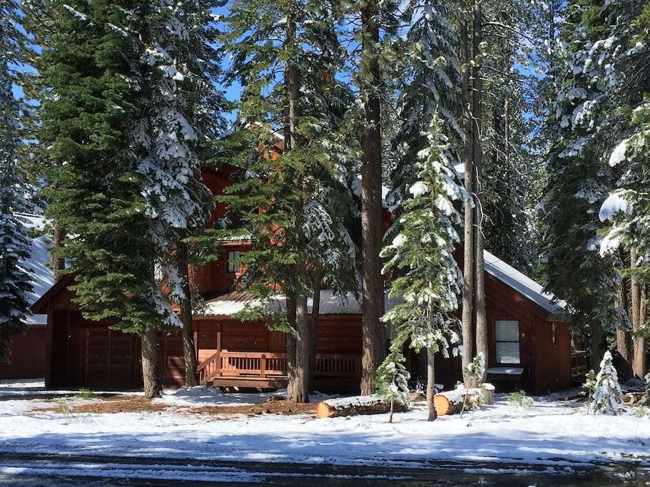 Welcome to Alpenglow, beautifully nestled in the woods with easy access!