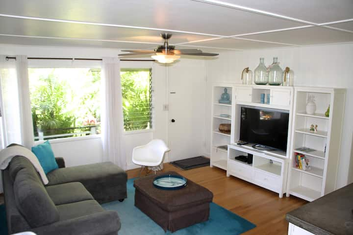 Best location! Cute, Beachy, Very Clean 3-Bedroom
