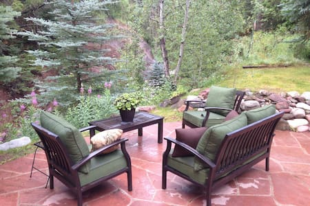 Mountain Chalet in the Crystal River Valley - Redstone - Talo