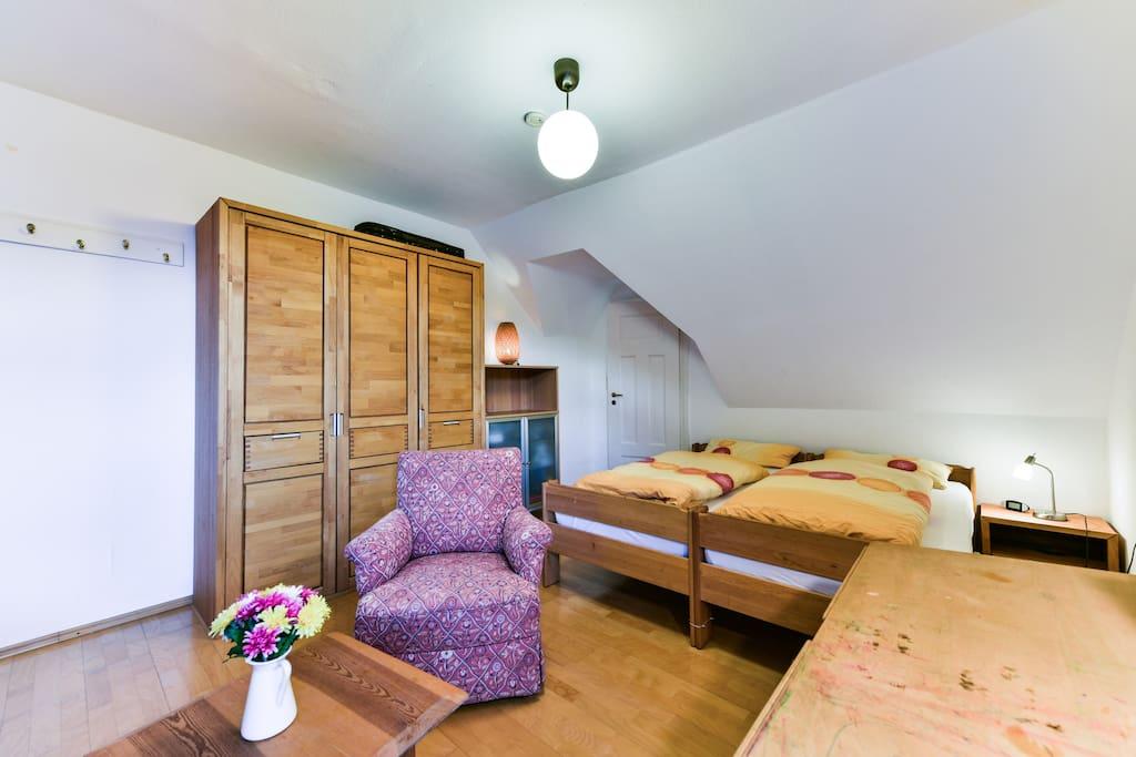 Doppelzimmer unter dem Dach
