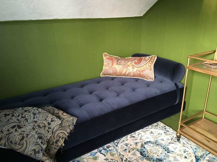 A special nook room for getting away to read a book, enjoy a glass of wine, or take a nap.  The Sven daybed unfolds to make an extra queen bed.  Linens available with added guests.