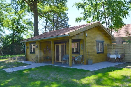 Cosy Chalet in Lottum with Garden