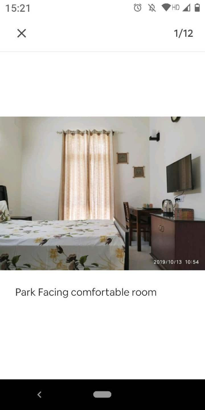 Clean, quite and breezy apartment - Greater Noida