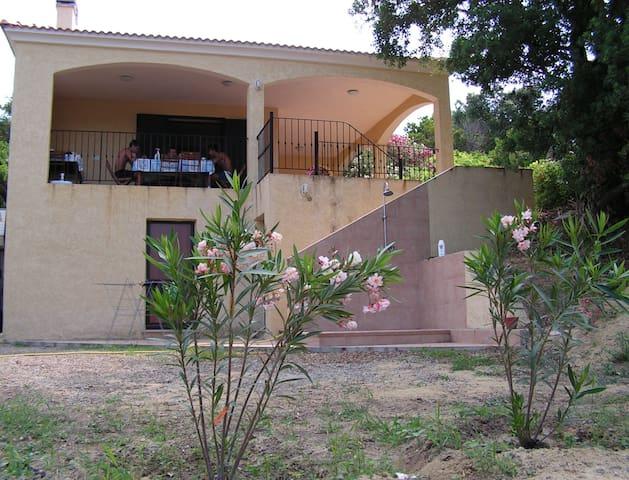 """Villa """"El Buen Retiro"""" near the sea - Linguizzetta - 別墅"""