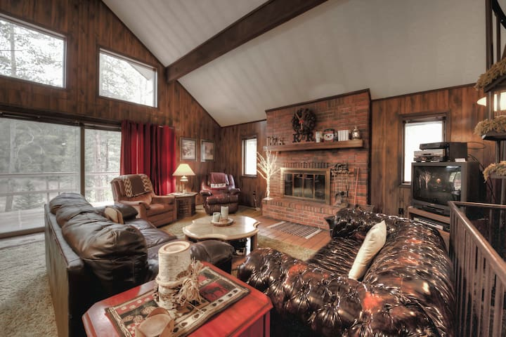 Old Moose Lodge - Spacious Historic Cabin - Breckenridge - Hus