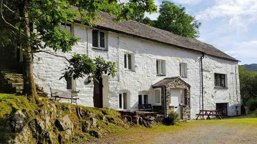 Lake Coniston, traditional 17th Century farmhouse