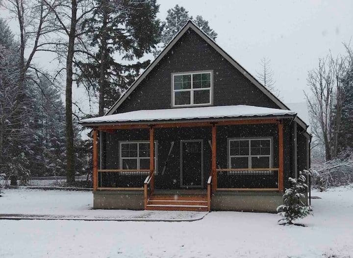 The Packwood Wolf Den - Introductory Price!