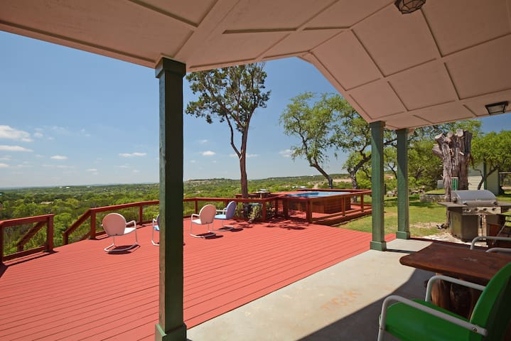 3BR Hill Country Lodge with Hot Tub - Dripping Springs - Casa