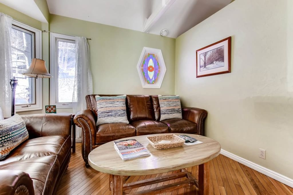 1044 Lowell Avenue - Family Room