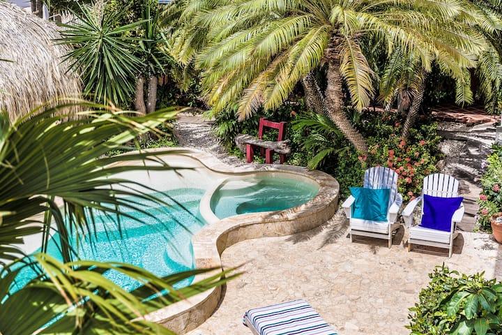 Tropical & Cozy Family Apartment ⛱️ 🍹 🦩