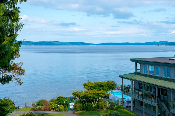 OCEANFRONT Paradise~Stunning Views~Pool & Hot Tub