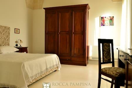 Masseria Rocca Pampina-Stanza n.3 - Mottola - Oda + Kahvaltı