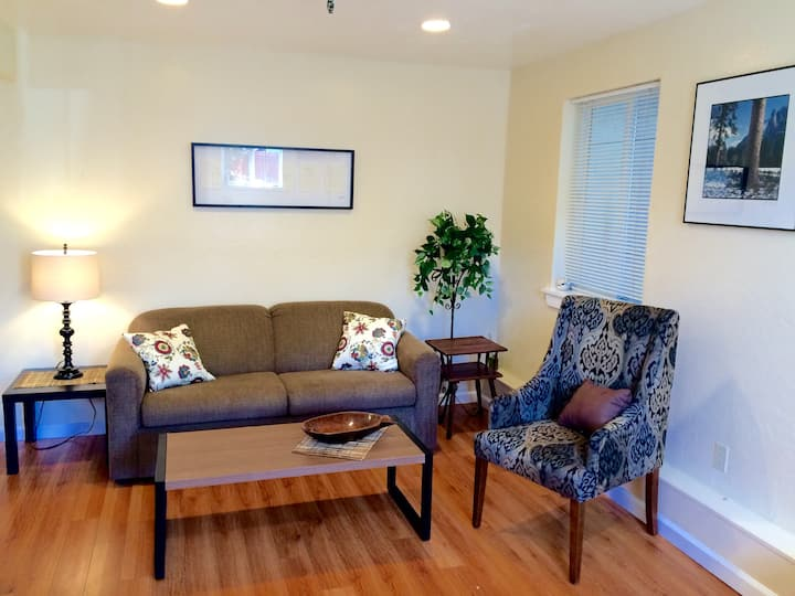 Sweet remodeled apartment in heart of Temescal