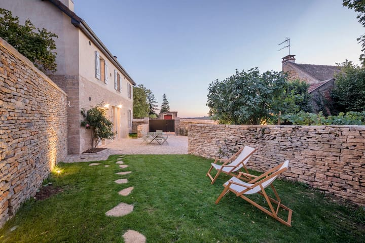Clos Poirier - Luxurious village home, sleeps 4