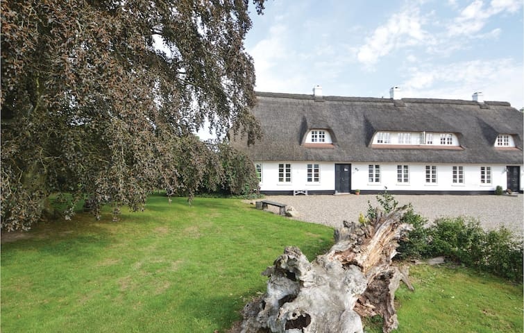 Former farm house with 3 bedrooms on 135m² in Haderslev