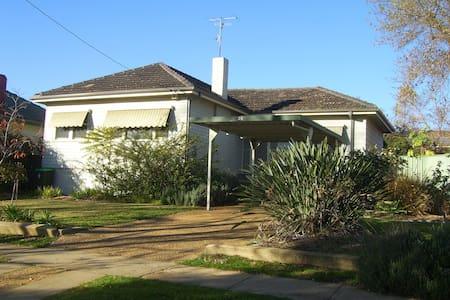 Strawhouses-BlameyHouse - Turvey Park - Haus