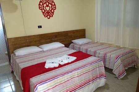 Suite confortável em casa de campo