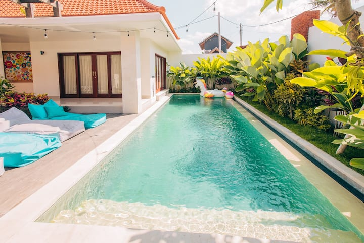 Bright big luxury private villa in central Canggu!