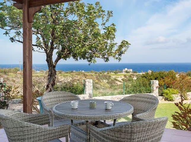 Toppmodern lgh/hus med 360utsikt över hav och berg - Güzelyurt - Apartamento