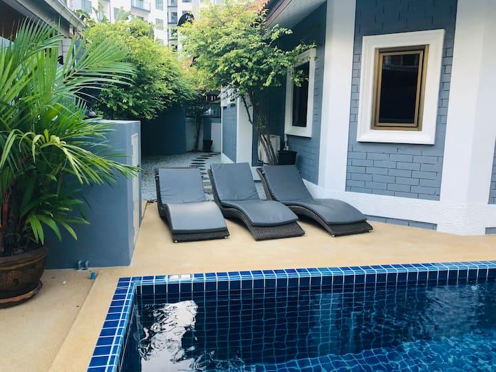 3 Bedroom Pool Villa near Beach & Walking Street