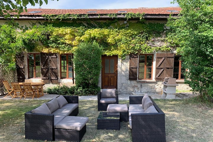 Crillon a characterful gite set in an ancient barn