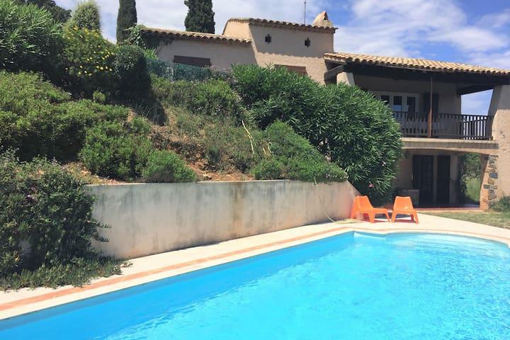 Villa moderna en La Croix-Valmer con piscina privada