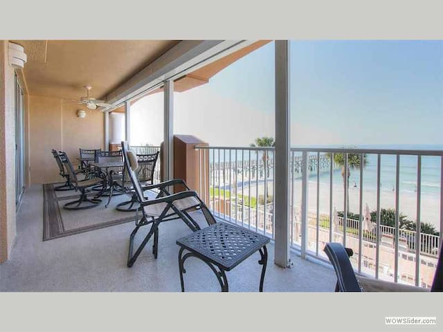 LC3-203 - Redington Beach Treasure with Ocean View and Loaded Sea Shore Cabana - Redington Beach