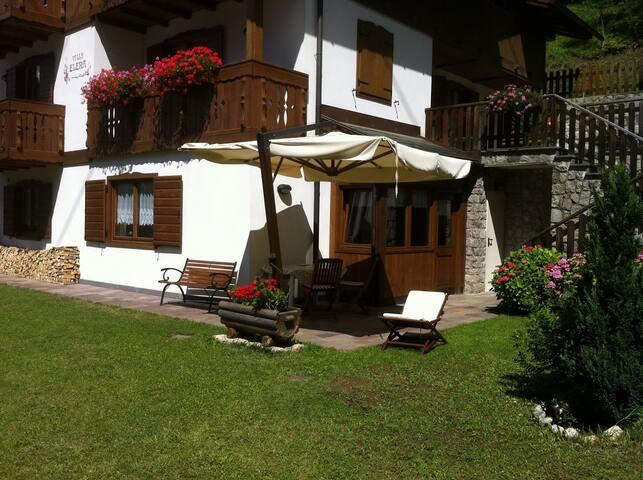 Villa Elena Appartamenti sulle Dolomiti di Alleghe
