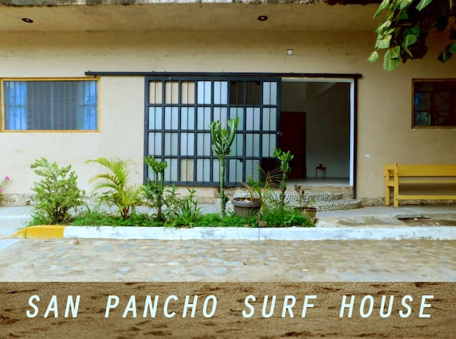 Surf house San Pancho, one block from beach, A/C