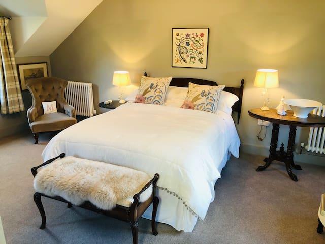 Siabod View - private double en-suite bedroom