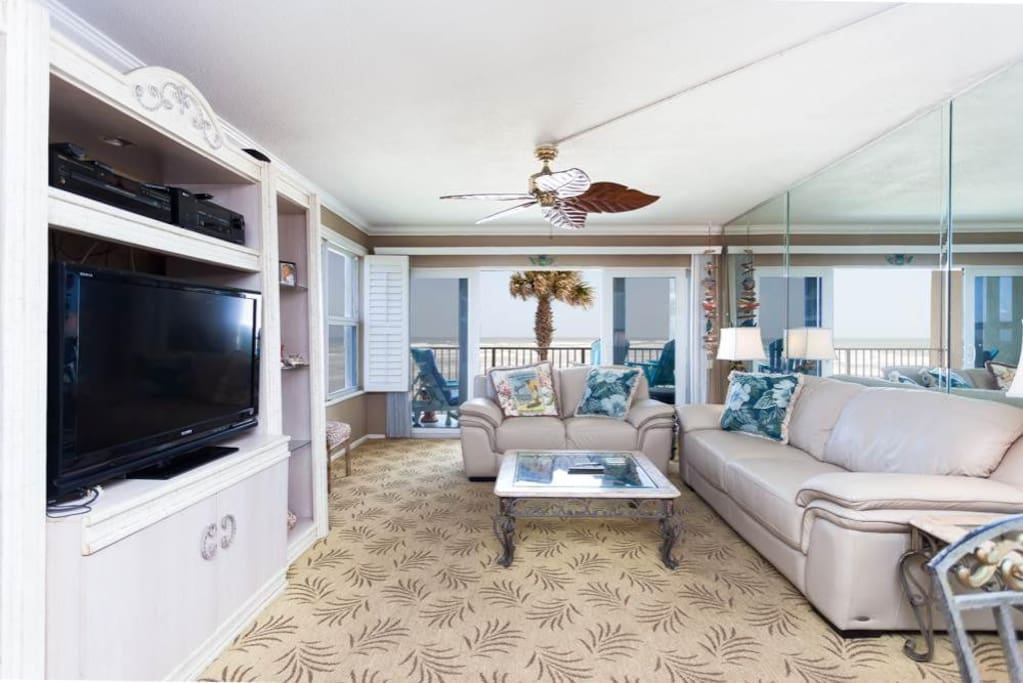 Ocean views abound from Coquina Condo - During the day, the ocean views of Crescent Beach will mesmerize you. In the evenings, th