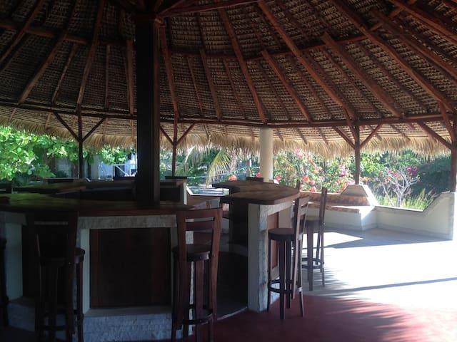 Bar de la terrasse de 130 m2