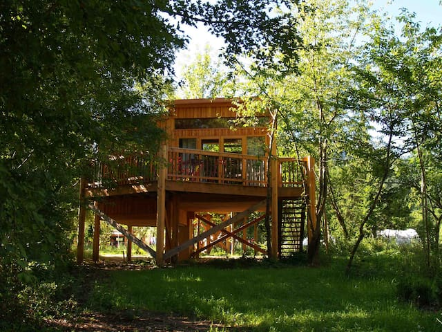 Tree house on piles - Chamalières-sur-Loire - Treehouse