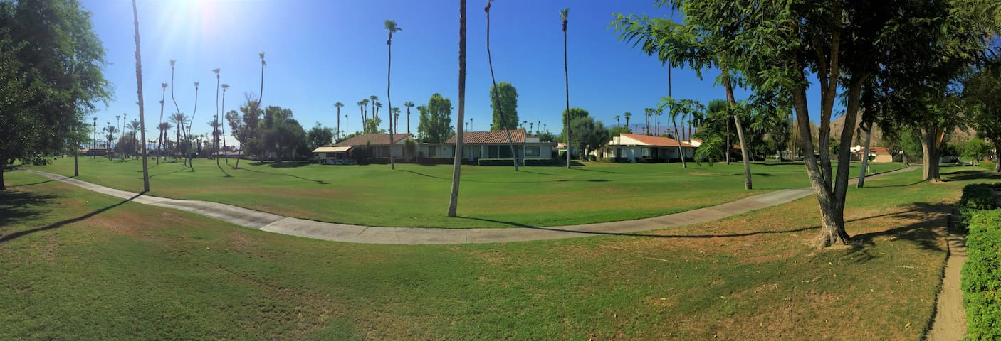 Rancho Las Palmas Condo-Walk to Everything - Golf