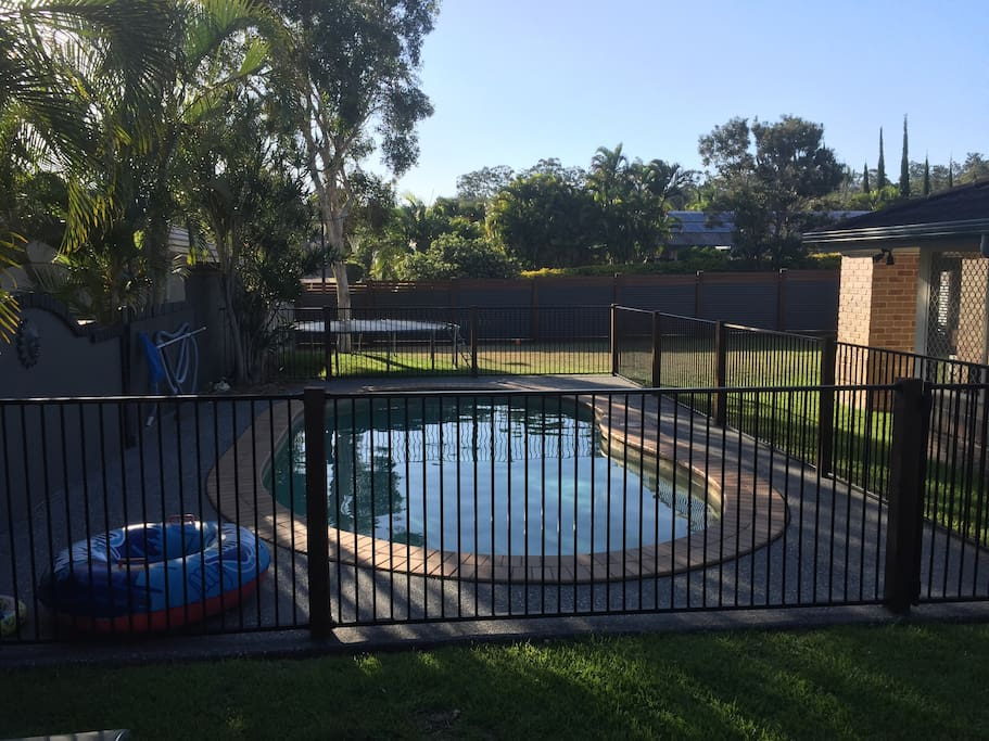 Pool and big yard - with trampoline