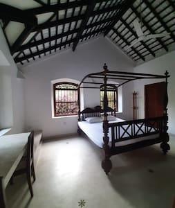 Colonial Style Room Rental In Unawatuna