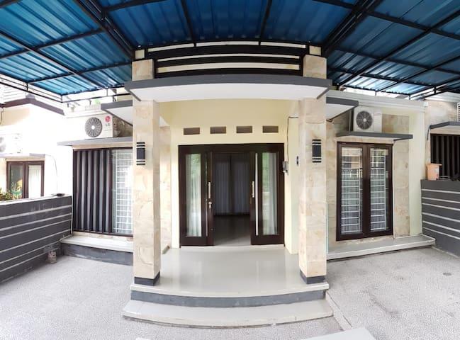 Arta Graha Residence no 11