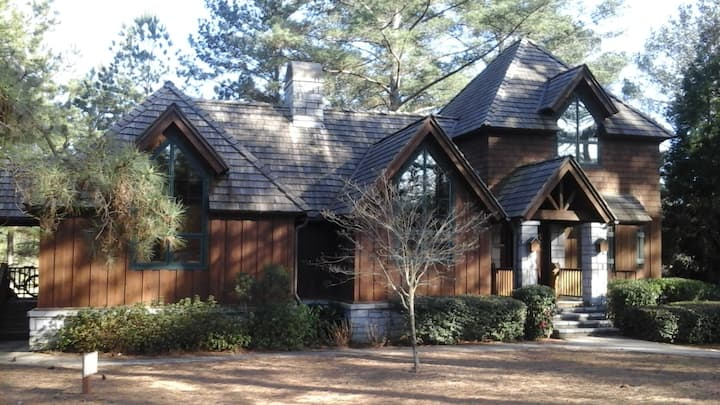 Golf Cottage on #17 hole in Cuscowilla!