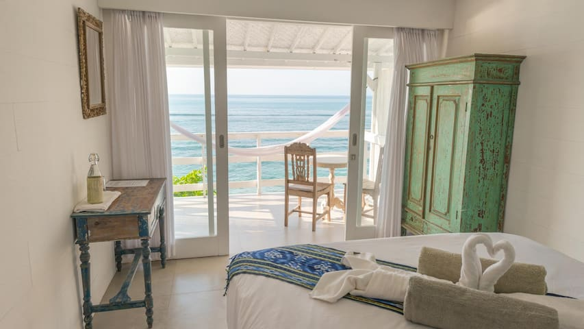 °4 Beachfront bedroom in Bingin - Pecatu - Dům pro hosty