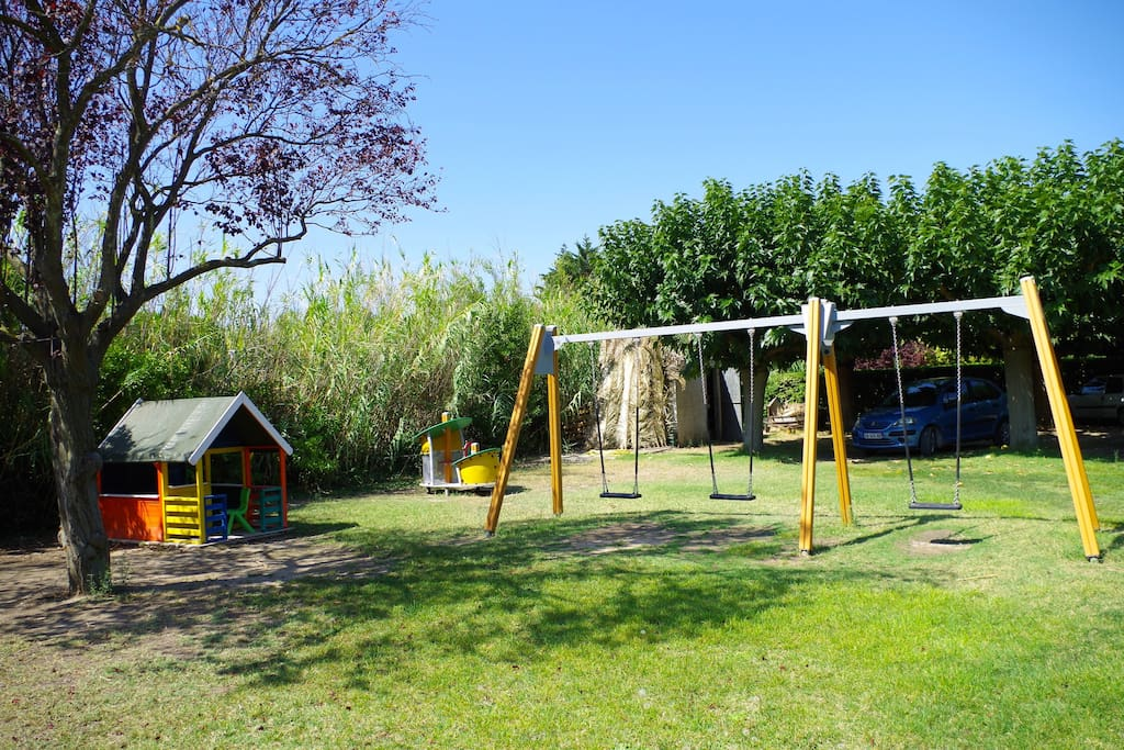 Aire de jeux dans le parc