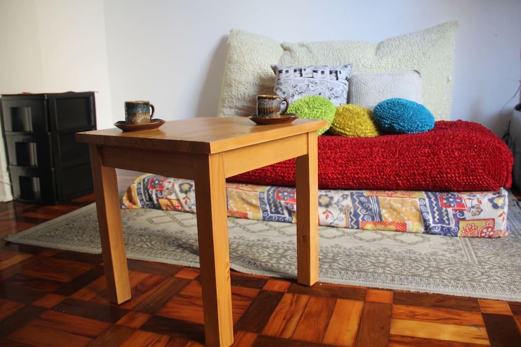 Sofá e mesa de centro